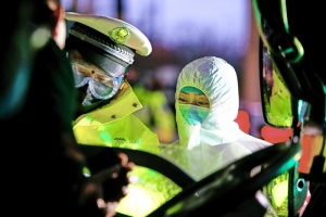 Китай тимчасово закрив в'їзд для іноземців