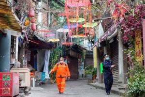 К годовщине первого в мире локдауна Китай выпустил документальный фильм