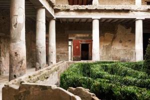 В Помпеях после реставрации открылись три дома времен извержения вулкана