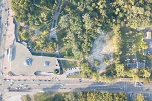 Киевлян приглашают присоединиться к уборке на территории Бабьего Яра