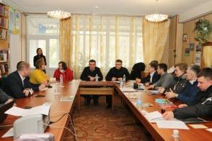 СБУ і поліція перевіряють будь-яку інформацію про провокаторів у Нових Санжарах - МВС