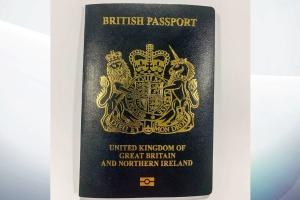 """У Великій Британії з березня видаватимуть паспорти """"культового"""" дизайну"""