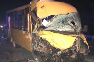На Миколаївщині зіткнулися маршрутка і вантажівка, десятеро постраждалих