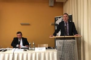 Безпеку України забезпечать лише сильна армія та членство в НАТО — Огризко