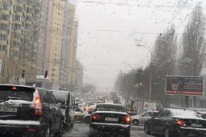 Київ стоїть у заторах: де проїхати найскладніше