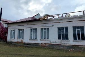 На Буковині через негоду без електроенергії залишаються більше сотні населених пунктів