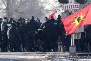 Канадская полиция разогнала протестующих, блокировавших железную дорогу