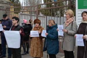 У Миколаєві пройшла акція проти скорочення регіональних філій та обсягів мовлення