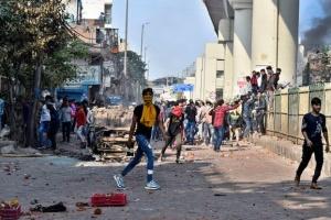 В Индии во время антиправительственных беспорядков погибли 13 человек