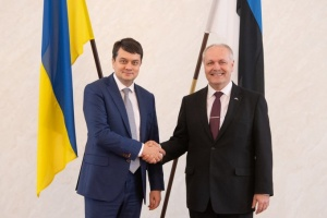 Разумков встретился со спикером эстонского парламента
