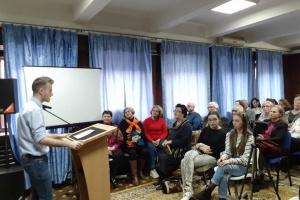 На круглому столі в Бухаресті обговорили важливість захисту рідної мови