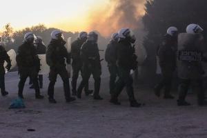 На антимигрантских протестах в Греции пострадали 62 человека