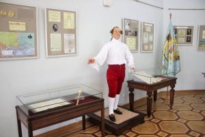 В Батурине собрали полную коллекцию восковых гетманов — последним стал Кирилл Разумовский