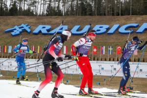 В мужском спринте ЧЕ по биатлону Украина осталась без медалей