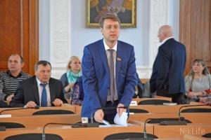 У депутата Николаевского горсовета бросили яйцо за поздравление с 23 февраля
