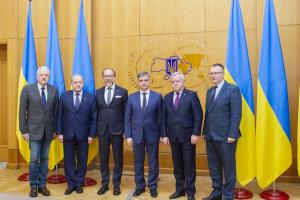 Prystaiko trata con los jefes de las asociaciones de empresarios sobre la agenda de la diplomacia económica