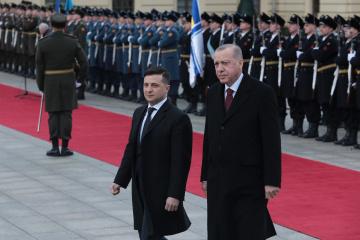 ゼレンシキー大統領、エルドアン・トルコ大統領と電話会談