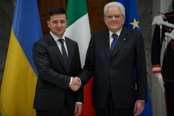 Selenskyj und Mattarella besprechen Entwicklung des Dialogs und Aussichten auf Zusammenarbeit