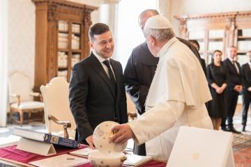Zelensky exhorte  le pape François à contribuer à la libération des otages ukrainiens