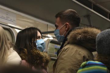 キーウ地下鉄は運行再開を準備中 距離を取るための印など設置予定