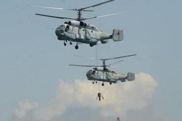 Rusia realiza ejercicios militares con helicópteros y submarinos en la Crimea ocupada