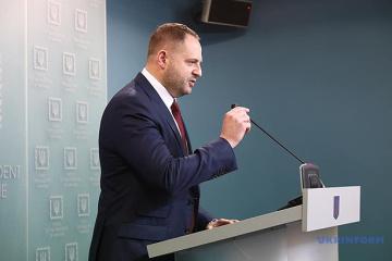 """Jermak omówił wymianę """"wszyscy na wszystkich"""" z zastępcą szefa AP Rosji"""