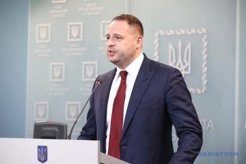 Jermak - Ukraina nie negocjuje i nie będzie negocjować z bojownikami ORDLO