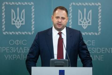 """Ukraina robi wszystko, co w jej mocy, aby wypełnić """"porozumienia paryskie"""" w przeciwieństwie do drugiej strony – Jermak"""