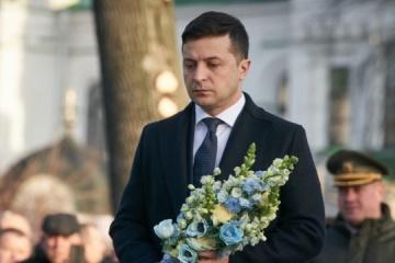 Präsident Selenskyj gedenkt Opfer von Afghanistan-Krieg