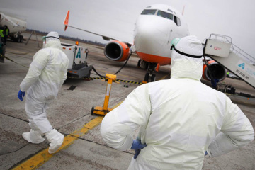 Flugzeug mit Ukrainern und Ausländern aus China landet zum Nachtanken in Boryspil