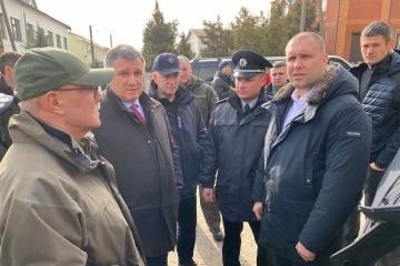 Protest gegen Unterbringung von China-Rückkehrer: Innenminister Awakow in Ortschaft Nowi Sanschary eingetroffen