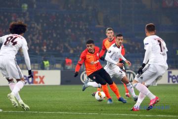 El Shakhtar derrota al Benfica en el partido de ida de los dieciseisavos de final de la Europa League