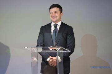 ゼレンシキー大統領、「おうちで復活祭」プロジェクトを準備していると発言