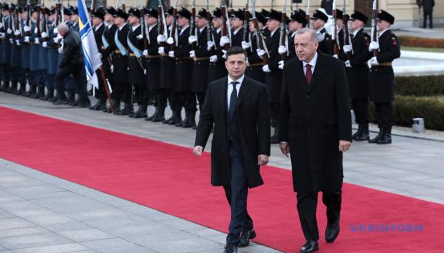 Зеленський висловив Ердогану співчуття у зв'язку із загибеллю турецьких військових в Ідлібі