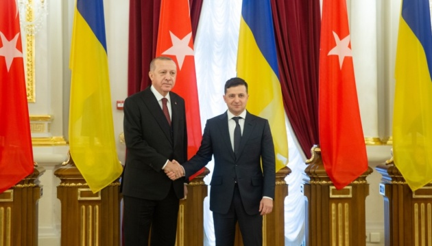 Zelensky y Erdoğan dan una conferencia de prensa