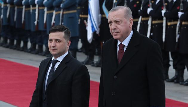 Zelensky welcomes new 'quadriga' format, invites Erdoğan to Kyiv