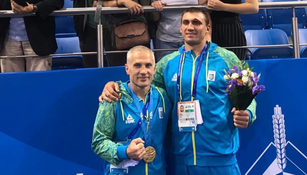 Менеджер боксера Віктора Вихриста готує судовий позов до ФБУ