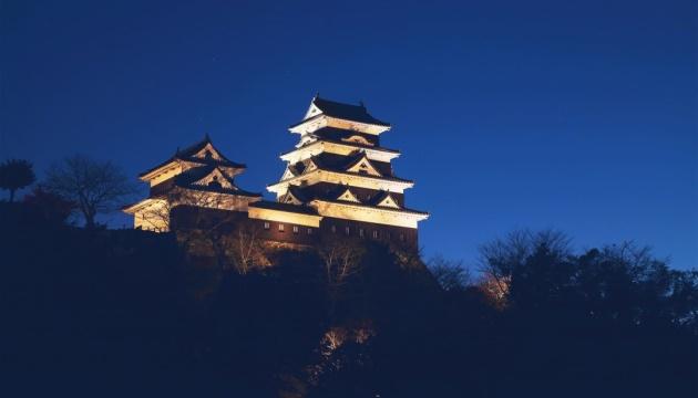 Японські замки запропонують туристам ночівлю