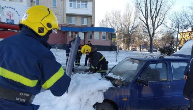 Рятувальники на Херсонщині за добу витягнули зі снігу вже 39 авто