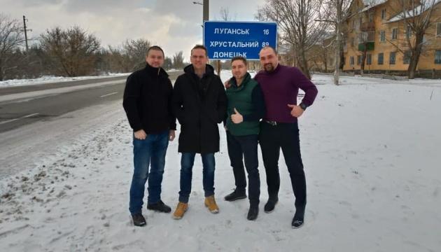 До Києва повернулися двоє ексберкутівців, яких передали ОРДЛО під час обміну — адвокат