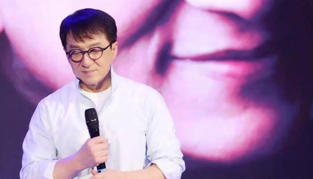 Джекі Чан обіцяє майже $200 тисяч за ліки проти коронавірусу