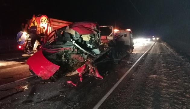В России автобус с украинцами врезался в грузовик, трое погибших