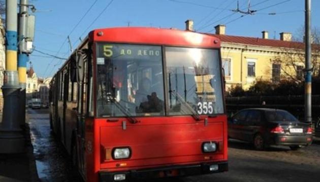 Сьогодні у Чернівцях призупиняє роботу увесь громадський транспорт
