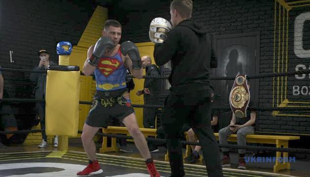 Берінчик змінив тренера перед боєм з аргентинським боксером