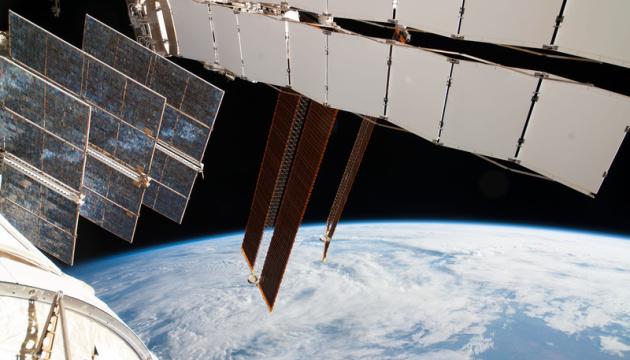 Глава Космічних сил США звинуватив Росію у стеженні за супутником