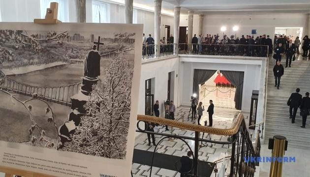 Abierta la exposición de obras de Súshchenko en el Sejm polaco