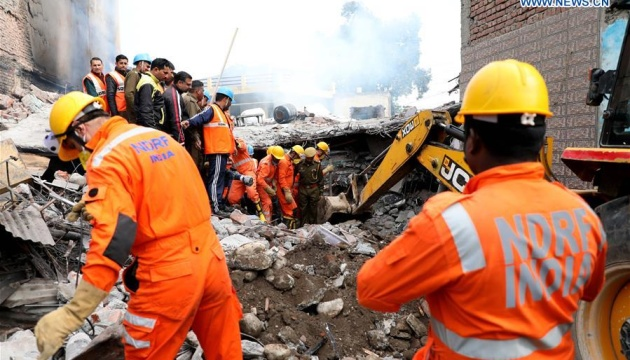 У Індії впала будівля: є загиблі та поранені