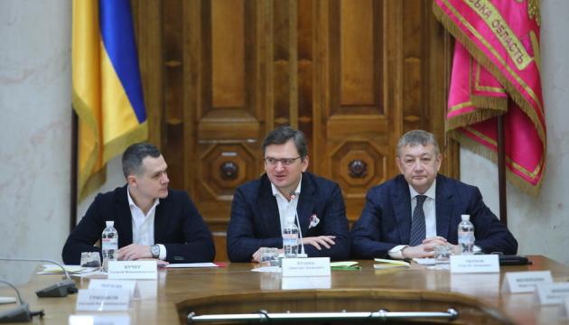 Kuleba: Ucrania puede firmar el Acuerdo ACAA a comienzos de 2021