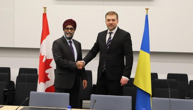 Міністри оборони України та Канади визначили пріоритети двостороннього співробітництва