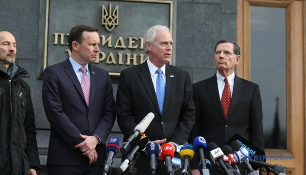 Сенаторы США пообещали в Киеве продвигать идею увеличения помощи Украине